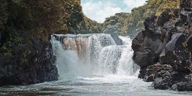 13 ile aux cerfs waterfalls GRSE